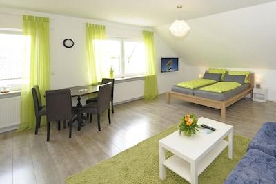 Gemütliches Dach-Studio-Apartment  ** Speyer ** verkehrsgünstige Stadtrandlage