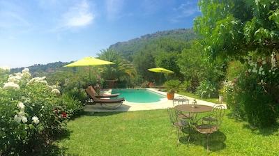 Maison avec jardin et piscine Vue panoramique