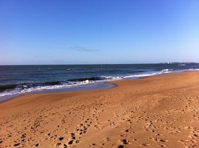 Belle plage de Sainte Marguerite avec sentier côtier jusqu'au port