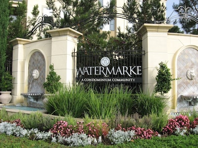 Entrance to Watermarke