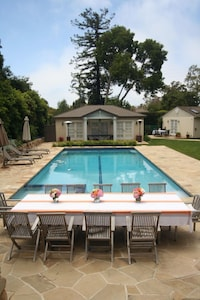 Pool, pool house and guest room