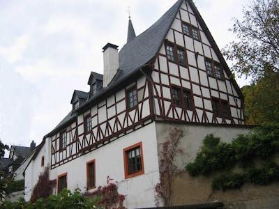 Der Burghof Hagen - Vorderansicht