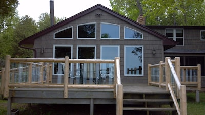 Panoramic water side deck,wheelchair access,patio set. Great room water views