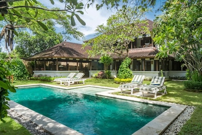 Colonial White House,2Bed Villa,Seminyak