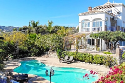 A truly stunning, south-facing villa with private pool