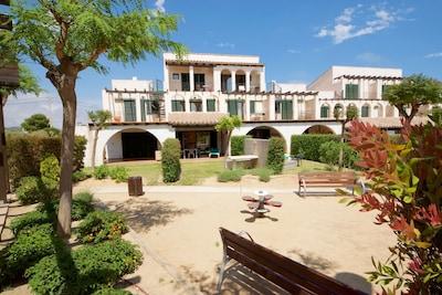 1. les-oliveres-resort-costa-dorada-tarragona-ampolla-l'ampolla-casa-49-exterior-and-gardens-spain-holiday-holidays-vacation-rental