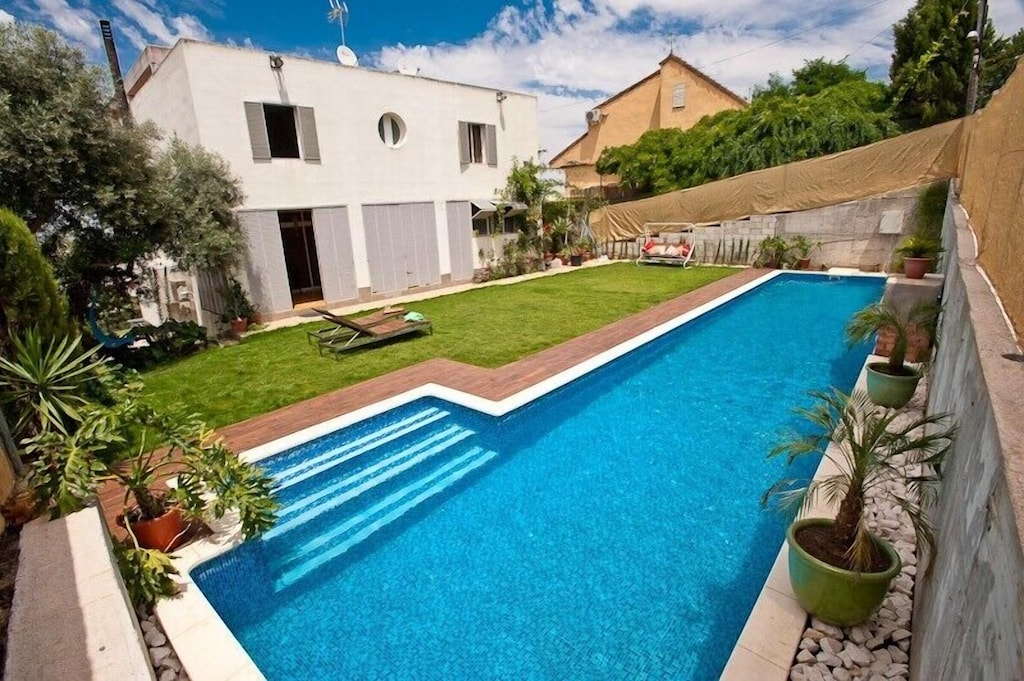 Nice Studio With Pool 16 3m Salt Water No Chlorine Wifi And Garden Triana