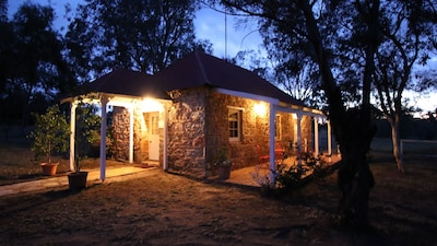 Dempster cottage is a stone cottage built 1850 located between Northam /Toodyay.