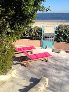 terrasse extérieur donnant sur la plage...