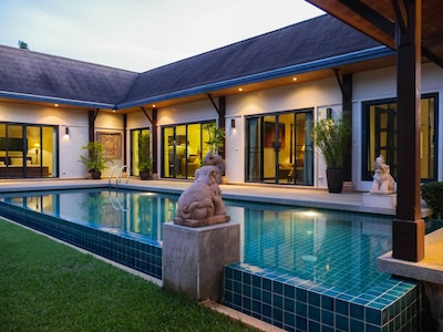 Vacation pool villa Naiharn Phuket