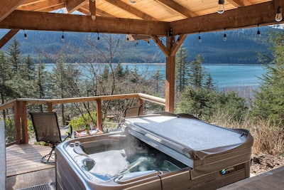 Amazing Springtime  views from the hot tub