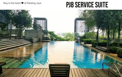PJ8 Service Suite - infinity Swimming pool