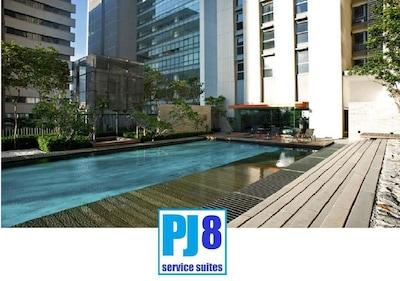 PJ8 Service Suite Near Train Station