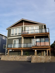 Moonbeams beach home in Road's End, Lincoln City, Oregon!