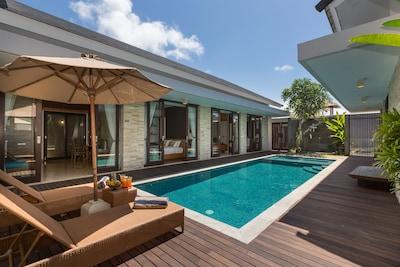 5 BR AM GOLD Luxury Villa 10 min Beach