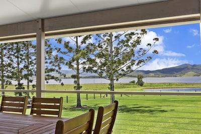 Somerset Dam Family Getaway - Holiday House in Hazeldean