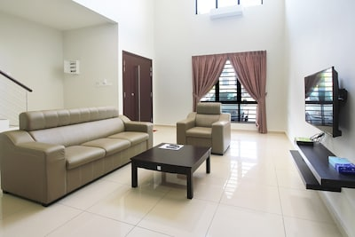 KL6, Perfect House for Aces Group Holiday