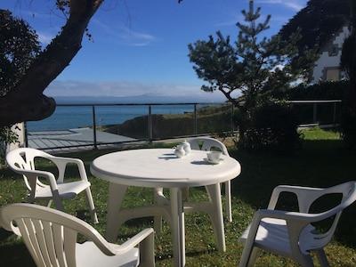 Villa les Courlis, vue mer,baie de Douarnenez   plage des sables blancs
