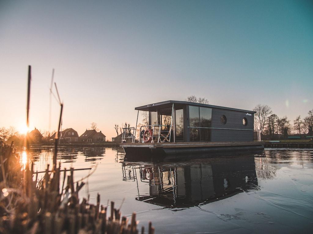 Modernes Hausboot Holland Im Yachthafen 5 Min Fussweg Zur Altstadt Hattem Hattem
