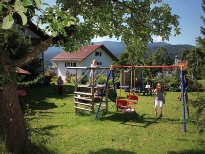 Ferienwohnungen Schmid Christa (Lam)-Spielplatz