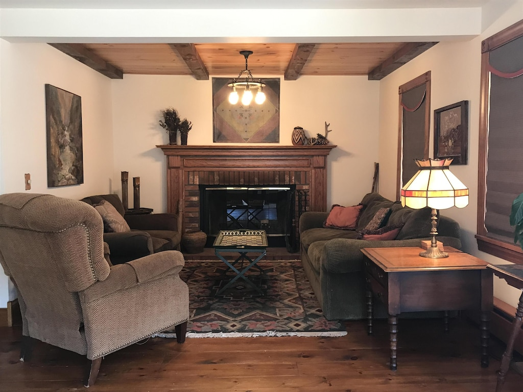 New Listing Beautiful 4br Home In The Village Of Bolton Landing Walk Everywhere Bolton
