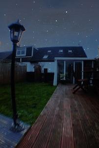Garden/deck area