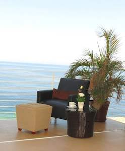 Enjoy and relax with the amazing view to the beach and ocean