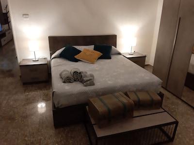 Casa di Re Enzo, Sassari, Sardenha, Itália