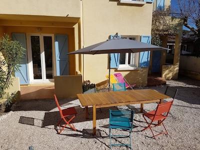 Salon de jardin équipé pour 8 à 10 personnes