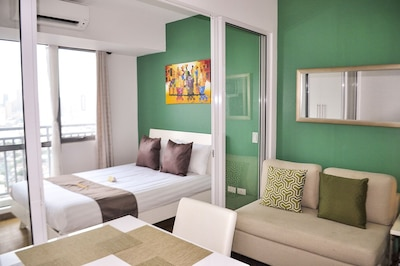 Central & Cozy 1Bedroom @ ACQUA SHL 3702