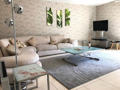 Thibaud - living-room