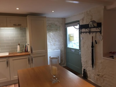 Luxury dog friendly hideaway  for two tucked away in Masham