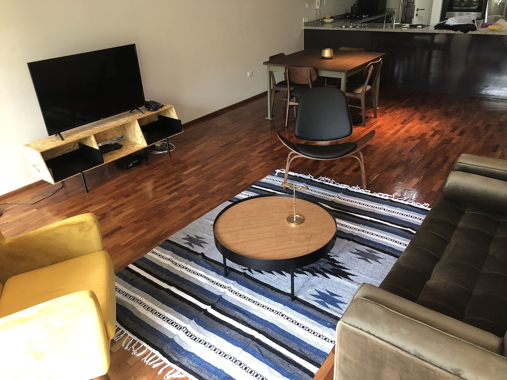VRBO Mexico City: living room with furniture  and a TV