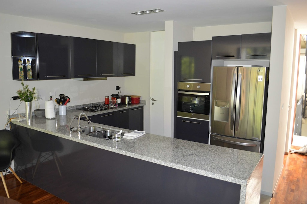 VRBO Mexico City: Modern style kitchen, with stainless steel appliances