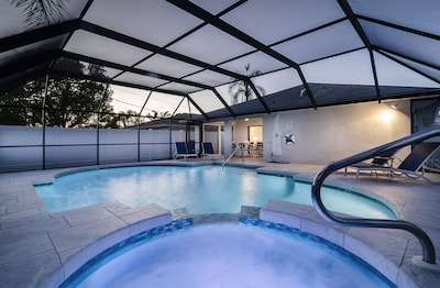 **BRAND NEW** The Blue Pearl - Finest Upscale Home - Stunningly large Pool