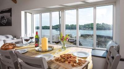 Luxury Cornish Waterside Retreat