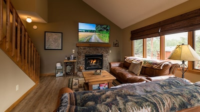 Open Great Room/Living Area with Large Screen Smart TV, Gas Fireplace