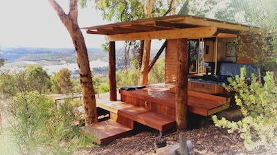 Chittering Heights - A Luxurious Romantic Tree House Retreat