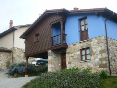 Villar de Huergo, Pilona, Asturias, Spain