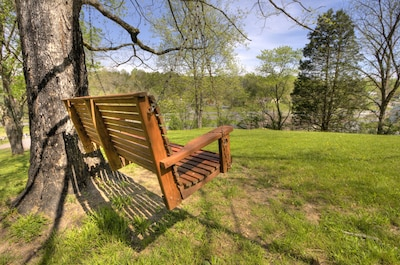 Blessed Mountain Acres  w/ Leather Recliners, Hot tub, Swing close to parkway