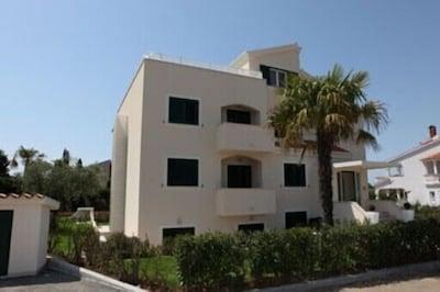 Villa Chiara Hausansicht - oberste Etage für Sie