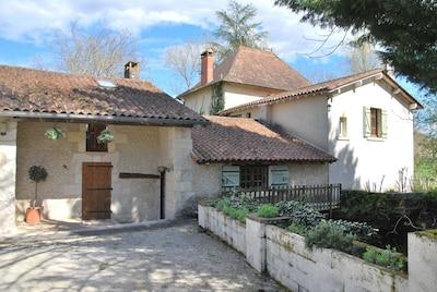 Le Moulin Bertrand et son gîte 'Pas de Soucis'