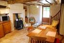 Le coin salon avec poêle à bois