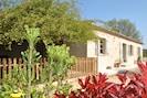 La Maison Chemin d'Uzès et sa terrasse de 25 m2  clôturée.