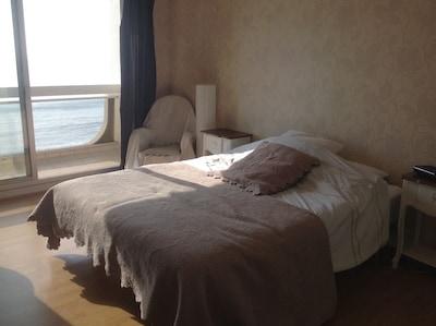Chambre lit de 180 x 200