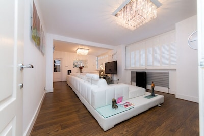 5* Luxury Spacious Apartment