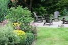 Ein Sitzplatz im Garten für lauschige Sommerabende