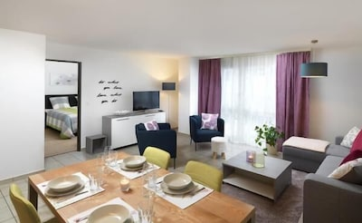 neue geräumige Wohnküche/Stube
