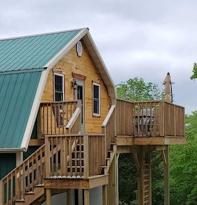 Deck and entry way