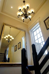 Clyvemore - Luxurious, boutique accommodation in the heart of the Ballarat.